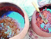 হাইড্রোজ, সোডা, ফিটকিরিসহ বিভিন্ন রাসায়নিক মিশিয়ে তৈরি হচ্ছে গুড়
