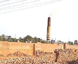 ইটভাটার বিষে পাইকগাছার ৫ সহস্রাধিক মানুষ নানান রোগে আক্রান্ত